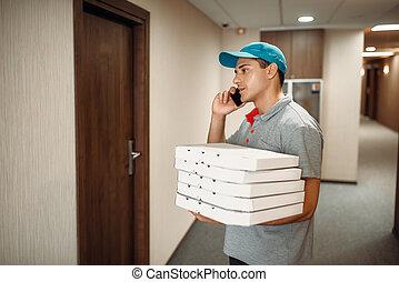client, porte, appelle, livraison, homme pizza