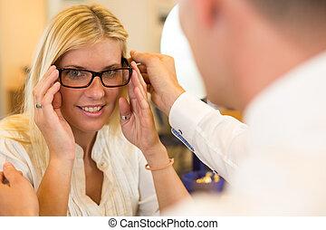 client, sur, lunettes, opticien, consultant, optométriste, ou