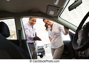 client, voiture, projection, revendeur, nouveau