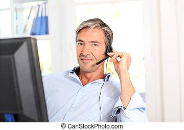 cliente, empleado, auriculares, servicio