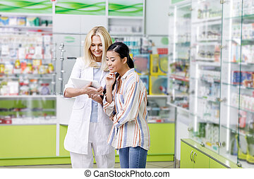cliente, farmacéutico, tableta, digital