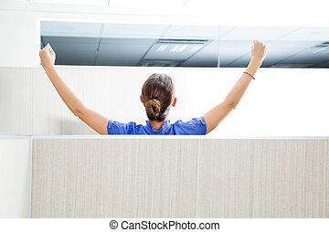 cliente, levantado, serviço, braços, representante, cubículo