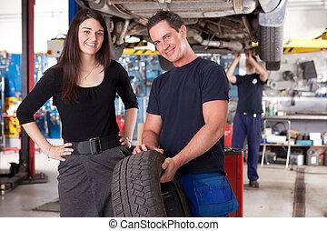 cliente, mecânico, pneu