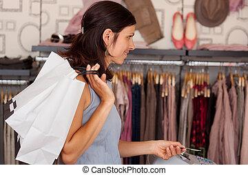 cliente, pagar, con, tarjeta de crédito