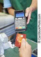 cliente, pagar, supermercado, máquina, crédito, usando, cartão