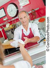 cliente, porción, carnicero