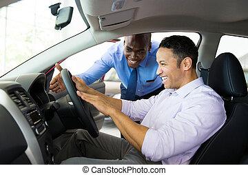 cliente, spiegando, caratteristiche, automobile, africano, ...