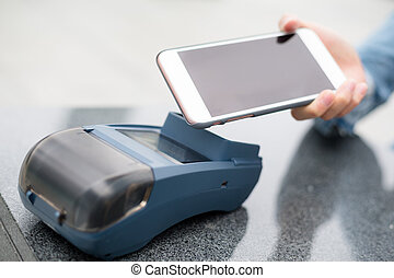 cliente, utilizar, teléfono celular, para pagar