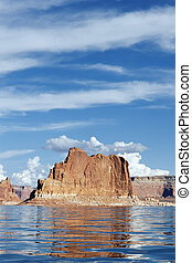cliffs of Lake Powell