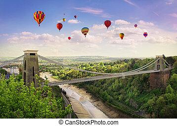 Clifton Suspension Bridge. - The World Famous Clifton ...
