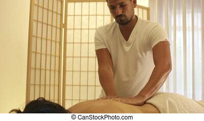 clinique, thérapeute, mâle, masage