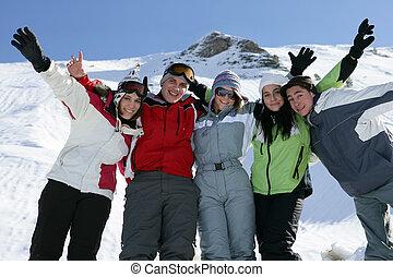 clique, ski fahrend