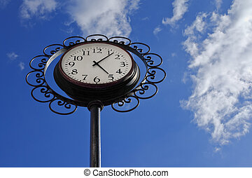 Clock in the shape of a flower