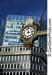 clock to the City of London