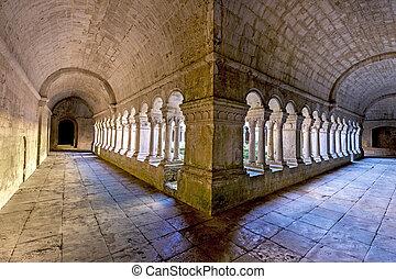 Senanque Abbey - Cloister of Senanque Abbey, Vaucluse, ...