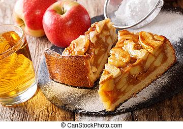 close-up, appeltaart, afgesnijdenene, juice., vers, horizontaal, bakt