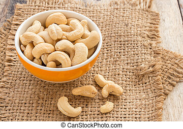 Close up cashews in the bowl
