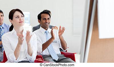 close-up, de, pessoas negócio, clapping, em, um, conferência