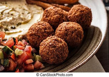 close-up, de, tradicional, falafel, bolas, com, salada, e, hummus, ligado, um, prato