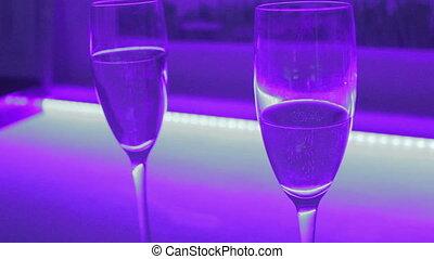 """""""close-up, di, due, occhiali, di, sfavillante, champagne, romantico, date"""""""