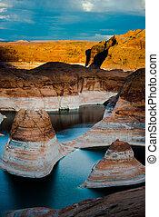 Reflection Canyon Lake Powell Utah