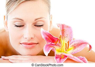 close-up, mulher, flor, saúde, mentindo, bonito, tabela, spa, massagem