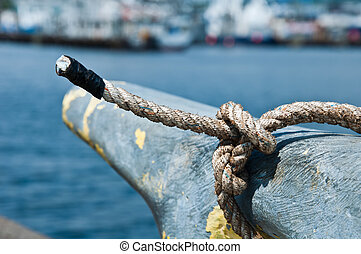 Close-up of a boat rope tied to the fisher's knot