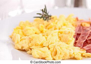 close up on scrambled eggs