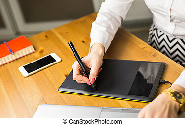 close-up, ontwerper, tablet, vrouwlijk, grafiek, gebruik