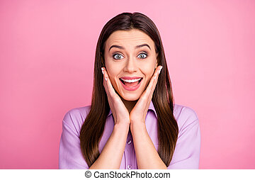 Close-up portrait of her she nice-looking attractive lovely pretty amazed cheerful cheery brunet straight-haired girl cool great news present gift reaction isolated over pink pastel color background