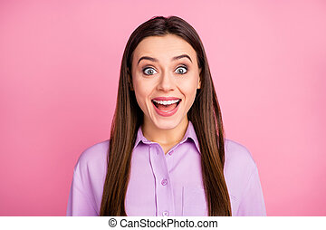 Close-up portrait of her she nice-looking attractive lovely pretty excited crazy overjoyed cheerful cheery brunet straight-haired girl cool news reaction isolated over pink pastel color background