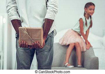 close-up, presente, foto, pai, afro-american, segurar passa