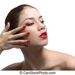 close-up, retrato, de, excitado, caucasiano, mulher jovem, com, vermelho, luminoso, manicure