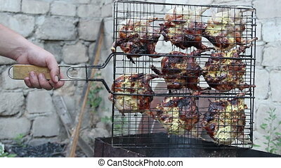 quails on grill
