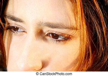 close-up, tiro, de, um, preocupado, mulher