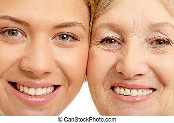 close-up, van, twee, gezichten, van, mooie vrouw, en, moeder