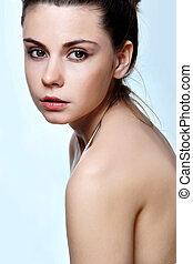 close-up, verticaal, van, sexy, kaukasisch, jonge vrouw , met, mooi, blauwe ogen