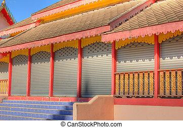Closed temple