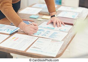 closeup, biznesmen, planowanie, projekt