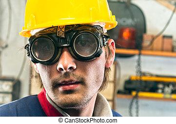 closeup, capacete, trabalhador industrial, amarela