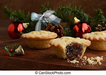closeup christmas mincemeat pies