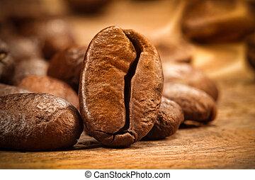 closeup, colpo, di, uno, chicco di caffè, su, legno