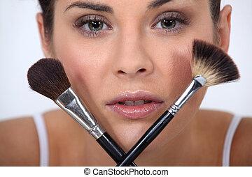 closeup, de, a, femme, à, brosses maquillage