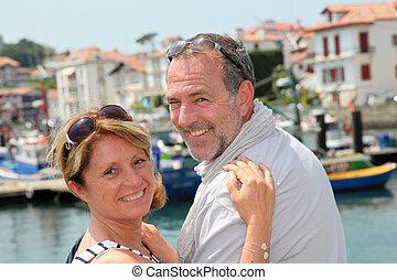 closeup, de, gai, couples aînés, dans, vacances