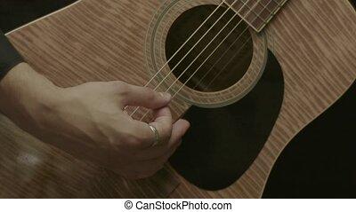 closeup, de, mains mâles, jouer, guitare acoustique