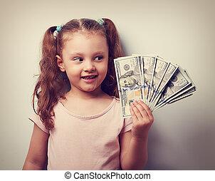 closeup, denken, ouderwetse , hand, het kijken, joy., geld, verticaal, meisje, geitje, vrolijke