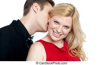 closeup, di, giovane, baciare, suo, amanti, collo