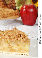 fresh baked apple crisp pie