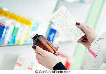 closeup, hånd, i, apotekeren, hos, medicin