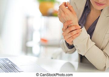 closeup kobieta, ból, nadgarstek, handlowy